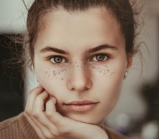 Jak SKUTECZNIE dbać o skórę twarzy